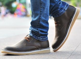 Best Walking Shoes for Men and Women
